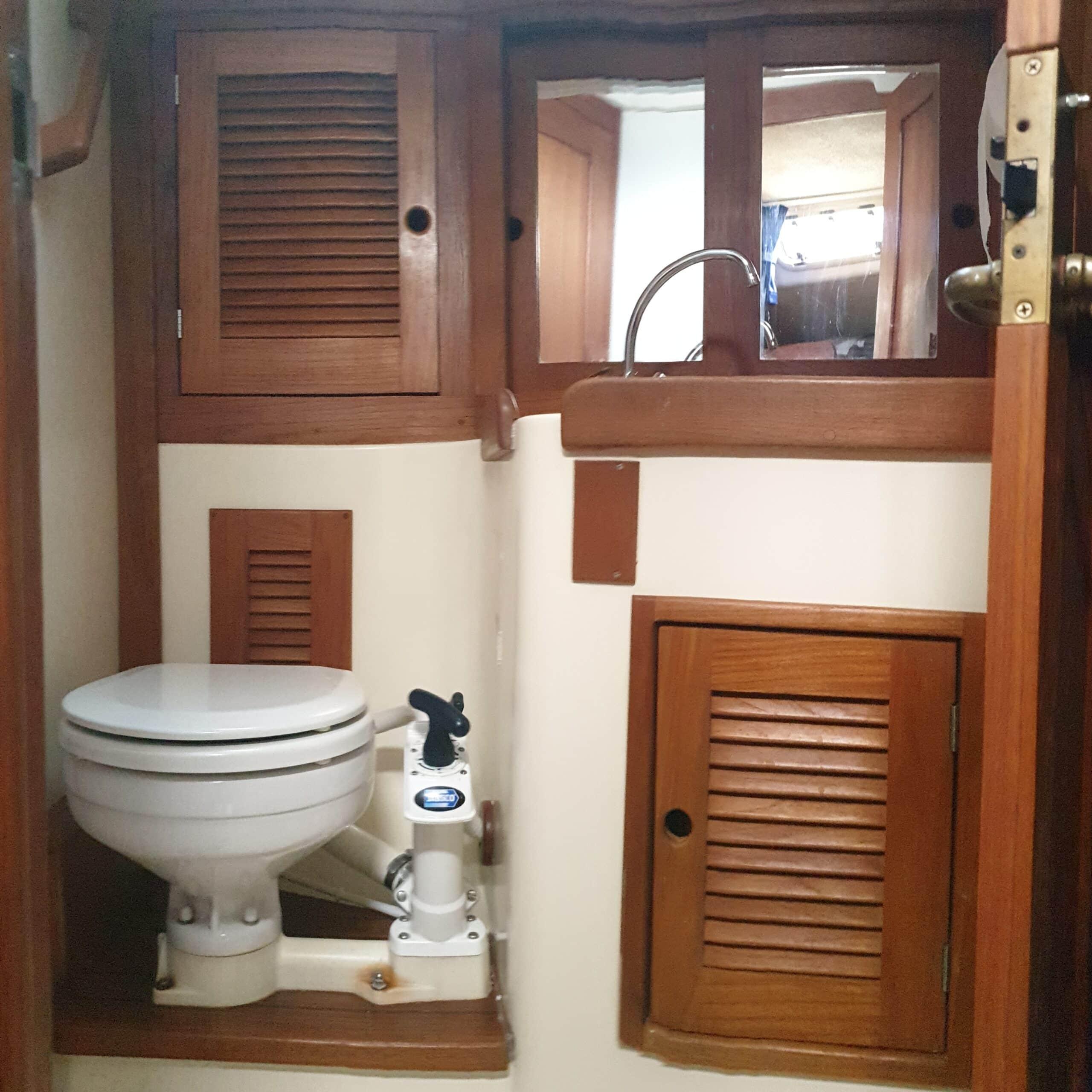 Tartan 3100 toilet